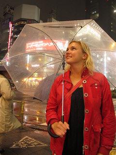 Lina in the rain